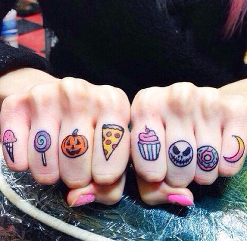 Resultado de imagem para tatuagem feminina COLORIDAS