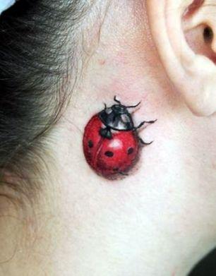 tatuagem 3d joaninha